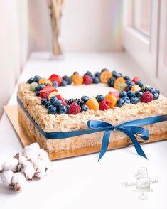 Image may contain: food Beautiful Desserts, Gorgeous Cakes, Amazing Cakes, Rectangle Cake, Honey Cake, Dessert Dishes, Dessert Decoration, Bakery Cafe, Cream Cake