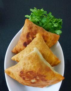 Pavlova caramel and bananas - Healthy Food Mom Veggie Recipes, Gluten Free Recipes, Indian Food Recipes, Gourmet Recipes, Vegetarian Recipes, Healthy Recipes, Healthy Food, Aperitivos Vegan, Samosas