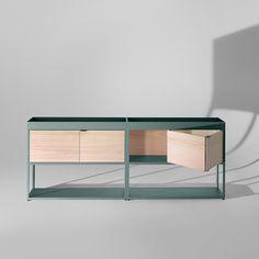 New Order - Op de foto uitgevoerd in legergroen en met houten schuifdeurtjes / achterpanelen