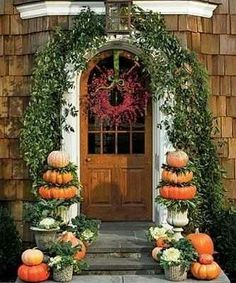 Autumn Welcome | originally pinned by julianne giltner | #thanksgiving #aaa www.aaa.com/travel