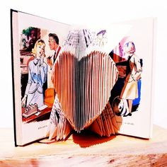 Coeur livre plié pour enfant avec 50 pages pliées , décoration avec les illustrations du livre bibliothèque verte des années 60/70... Margot L Escargot, Creations, Illustrations, Green Library, Book Folding, Old Books, Kid, Illustration, Illustrators
