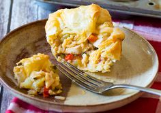 Chicken Enchilada Pot Pies are the perfect way to end the week. Try this recipe made with canned Ol El Paso™ Chopped Green Chiles.