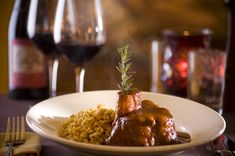 Ferraro's in #Vegas is famous for their osso buco. Head there for dinner and find out why!