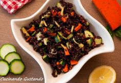 Il Riso venere zucchine e gouda al pesto rosso è un gustoso piatto freddo perfetto da assaporare in questa stagione estiva che sta per arrivare.