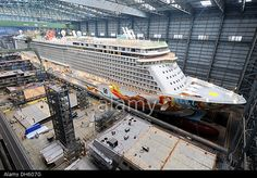 Papenburg, Germany. 01st Nov, 2013. New cruise ship the 'Norwegian Getaway', moored at the building dock Credit: INGO WAGNER/dpa/Alamy Live News