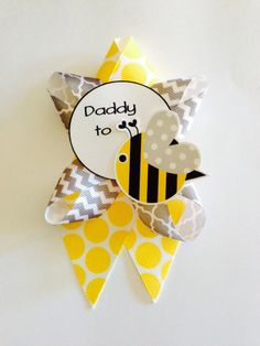 Mommy to Bee. Matching smaller Baby Shower Corsage by DiAtn