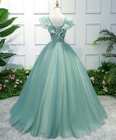 Green v neck tulle long prom dress, green evening dress - Evening Dresses V Neck Prom Dresses, Ball Gowns Prom, Ball Dresses, Pageant Dresses, Flapper Dresses, Sweet 15 Dresses, Pretty Dresses, Green Evening Dress, Evening Dresses