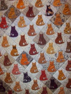 Halloween cats, close-up, Mickey Beebee & Mary Lundberg, PIQF 2011 veel leuker dan die mandjes, vind ik dan Dog Quilts, Cat Quilt, Animal Quilts, Quilt Baby, Quilting Projects, Quilting Designs, Sewing Projects, Cat Crafts, Sewing Crafts