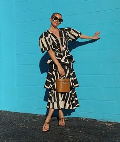 Fashion Corner, Everyday Dresses, Africa Fashion, Classy Dress, Fashion 2020, Fashion Addict, Everyday Fashion, Spring Summer Fashion, Short Sleeve Dresses