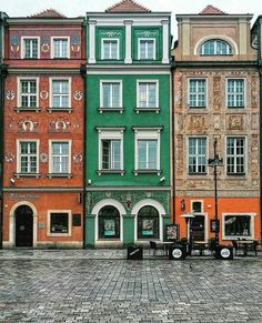 Poznam Stary Reynek Poland Poland, Mansions, House Styles, Home Decor, Cities, Paisajes, Places, Travel, Mansion Houses