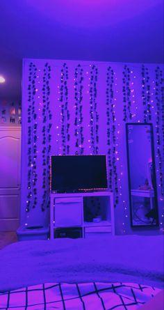 Cute Bedroom Decor, Room Ideas Bedroom, Teen Room Decor, Bedroom Inspo, Chill Room, Cozy Room, Chambre Indie, Neon Room, Indie Room