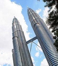 La capitale de la Malaisie s'est appropriée cette construction privée de 452 mètres, devenue le symbole du...
