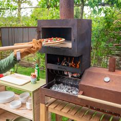 Best Outdoor Pizza Oven, Outdoor Kitchen Bars, Outdoor Oven, Outdoor Cooking, Oven Diy, Diy Grill, Bbq Stove, Stove Oven, Four A Pizza