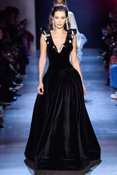 Prabal Gurung Fall 2019 Ready-to-Wear Fashion Show - Vogue Style Haute Couture, Couture Fashion, Runway Fashion, Fashion Week, High Fashion, Fashion Show, Vogue, Estilo Glamour, Costume