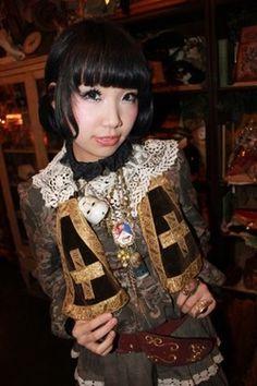 Heri, Grimoire shop girl - Dolly Kei style