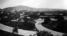 Campo de Santana. Imagem do parque na época em que abrigava a sede da Prefeitura do Rio (de 1892 a 1942), antes da demolição do trecho que deu lugar à Avenida Presidente Vargas, no Centro, nos anos 40