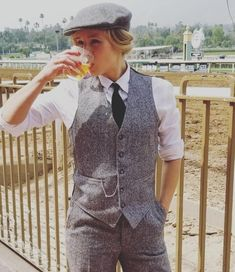 The Effective Pictures We Offer You About tomboy outfits A quality Costume Peaky Blinders, Peaky Blinders Fancy Dress, Gilet Costume, Costume Noir, Androgynous Fashion, Tomboy Fashion, Fashion Outfits, Tomboy Outfits, Mode Outfits