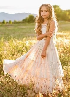 Look effortlessly elegant and playful all at once with this boho maxi dress featuring a full tiered skirt with lace ruffles and a scalloped lace detail in the back. This dress is perfect for twirling on fall days. Flower Girl Dresses Boho, Little Girl Dresses, Boho Dress, Little Girl Photos, Photo Souvenir, Girls Formal Dresses, Kid Dresses, Dress Formal, Casual Dresses