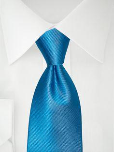 Blaue Clipkrawatte