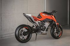 What's next for KTM? In terms of displacement, the Austrian manufacturer can't really make a case for growth. The brand has, however, unveiled a new concept bike at this year's EICMA show in Milan. Called the KTM 790 Duke […] Motorcycle Suit, Motorcycle News, Moto Bike, Ktm Duke, Moto Roadster, Ktm Motorcycles, Stunt Bike, Motorbike Design, Super Bikes