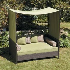 Providence Outdoor Day Bed, Green