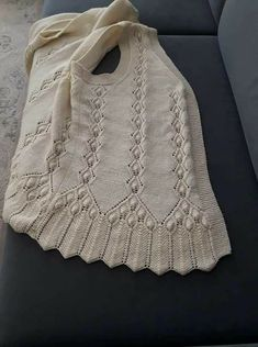 Knit Womens Vest Models Knit Baby Vest Samples # Tigis of Knit Womens Vest Models Knit Baby Vest Samples # Tigis of Baby Knitting Patterns, Knitting Baby Girl, Knitting Designs, Poncho Pullover, Knitted Baby Cardigan, Girls Sweaters, Baby Sweaters, Knit Vest Pattern, Crochet Baby Shoes