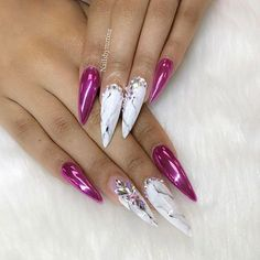 Get a hassle-free browsing experience of Instagram contents from your friends, respected personalities and favorite celebrities with WEBSTAGRAM! Glam Nails, Hot Nails, Fancy Nails, Bling Nails, Beauty Nails, Hair And Nails, Stiletto Nails, Pretty Nail Colors, Beautiful Nail Designs