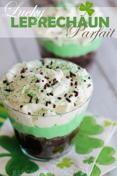 Lucky Leprechaun Parfait - 17 Coolest St Patrick s Day Treats GleamItUp Birthday Desserts, Holiday Desserts, Holiday Treats, Holiday Recipes, Irish Desserts, Green Desserts, Parfait Desserts, Summer Desserts, St Patrick Day Snacks