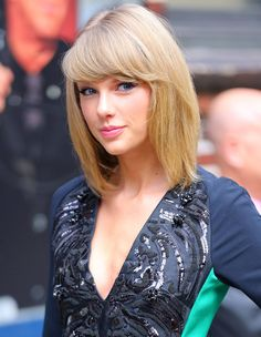 "( ☞ 2017 ★ CELEBRITY MUSIC WOMAN ★ TAYLOR SWIFT "" Country ♫ pop ♫ "" ) ★ ♪♫♪♪ Taylor Alison Swift - Wednesday, December 13, 1989 - 5' 10"" 120 lbs 35-24-35 - Reading, Pennsylvania, USA."