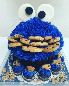 578 Desirable Cupcakes Giant Images In 2019 Recipes Bakken Deserts