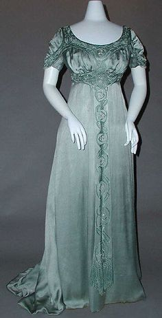 Silk and cotton evening dress (circa 1910) by Liberty & Co.