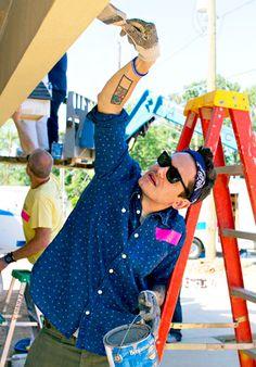 John Mayer recently spent the day in Shreveport, LA to help build homes for military veterans