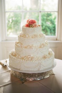 Gorgeous wedding cake. Photo by Aaron Snow Photography. www.wedsociety.com #cake