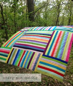 Parachute Quilt by Crazy Mom Quilts Jellyroll Quilts, Scrappy Quilts, Easy Quilts, Rail Fence Quilt, Rainbow Quilt, Crazy Mom, Quilt Modernen, String Quilts, Creation Couture