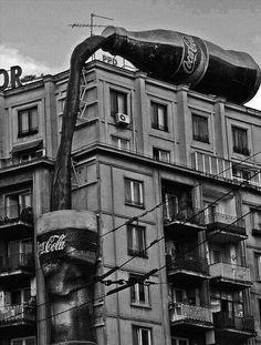 Coca Cola Vintage Advertising in Bucharest Coke Ad, Coca Cola Ad, Always Coca Cola, Coca Cola Bottles, Coca Cola Vintage, Vintage Advertisements, Vintage Ads, Advertising Ideas, Giant Vintage