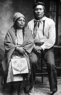 Colville couple Charlie and Margaret Moses, Washington. Northwest Museum of Arts and Culture, UW Library American Indians of the Pacific Northwest Collection