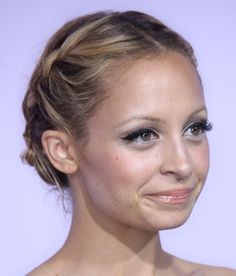 Nicole Richie; what a beautiful face!