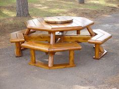 rustic picnic table Rustic Lodge Log and Timber Furniture: Handcrafted from Green . Diy Projects Outdoor Furniture, Outdoor Furniture Sets, Outdoor Decor, Furniture Ideas, Furniture Online, Discount Furniture, Octagon Picnic Table Plans, Octagon Table, Build A Dog House
