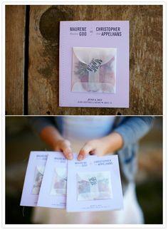 envelope of confetti on the front of the wedding ceremony programs / ceremony program / wedding ceremony / livret de ceremonie / mariage