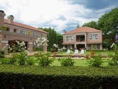 58 On Hume - 58 On Hume is a quiet, secure and delightful Bed and Breakfast in the centre of Johannesburg, perfectly situated between Sandton and Rosebank. The guest house comprises of a garden cottage and three suites ... #weekendgetaways #johannesburg #centralgauteng #southafrica