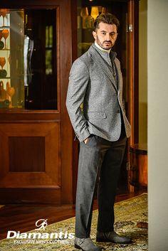 Diamantis Γαμπριάτικο Κοστούμι Ν. Θεσσαλονίκης www.gamosorganosi.gr Luxury Sale, Luxury Fashion, Mens Fashion, Tailored Suits, European Fashion, Signature Style, Mens Suits, Gentleman, Glamour