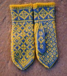 Ravelry: Vinternatt Mittens pattern by Nordic Fiber Arts Fingerless Mittens, Knit Mittens, Knitted Gloves, Knitting Socks, Wrist Warmers, Hand Warmers, Mittens Pattern, Happy Socks, Knitting Patterns