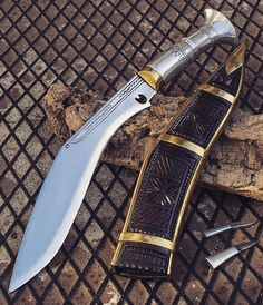 The Kukri or khukuri the traditional knife of the Gurkha soldiers in Nepal  by @coltelleriacollini @knives.it  ------------------------------- #hunting #hunter #nepal #gurka #forest #intothewild #intothewoods #mountains  #hunt #bushcrafting #naturelovers #hunters #explore #exploremore #bushcraft #neverstopexploring #survival  #woodsman #hiking #camping #wanderlust #wildernessculture #thegreatoutdoors #getoutside #wilderness #mountains #knives #knife #customknife #kukri