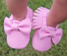 Hey, I found this really awesome Etsy listing at https://www.etsy.com/listing/238632409/baby-girl-moccasins-pink-moccasins