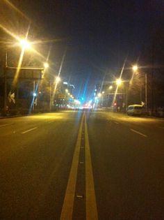 Empty road at night in my neighborhood. #la nuit #la route vide #empt y#road #night