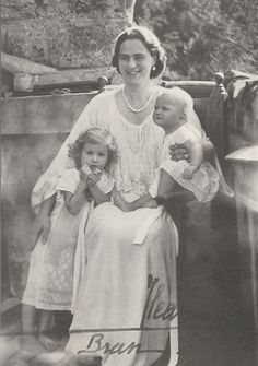 Ileana with her 2 youngest children, daughters Maria Magdalena, left, and Elisabeth. Queen Victoria Descendants, Princess Victoria, Romanian Royal Family, Royal Families Of Europe, Princess Alexandra, Royal Blood, Young Prince, Casa Real, Rare Pictures