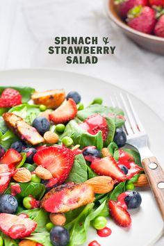 spinach strawberry salad   designlovefest + leslie grow