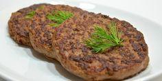 Рецепт приготовления этих фирменных котлет был выпрошен у шеф-повара одного из ресторанов города Самары. Котлетки получаются невероятно нежные, сочные и с ярко выраженным мясным вкусом. Выгодная закуска для большой компании.