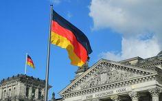 V Německu to vře. Lidé zakládají domobranu a ozbrojují se. Politici se bojí o přízeň voličů