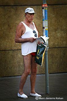 #GUIRIS #TOURIST #WALK #RAMBLA #BARCELONA #FOTO - Tourist walk La Rambla Barcelona by Marc Javierre-Kohan Photography. Llibre de fotografia documental crític amb la industria del turisme massiu irresponsable. Un lloc emblemàtic de Barcelona, La Rambla. Editat com a llibre d'autor, en primera edició limitada de 100 exemplars numerats, tindrà 110 pàgines i 102 fotografies en color. bus banyador imperi +INFO http://marcjavierre.blogspot.com.es crowdfunding verkami www.verkami.com/projects/3115